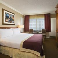 Ocean Sky Hotel and Resort Guest room