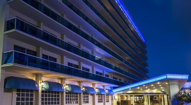 Ocean Sky Hotel and Resort - 勞德代爾堡 - 建築