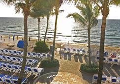 海天度假飯店 - 勞德代爾堡 - 海灘