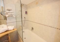 韋伯大使酒店 - Capri - 浴室