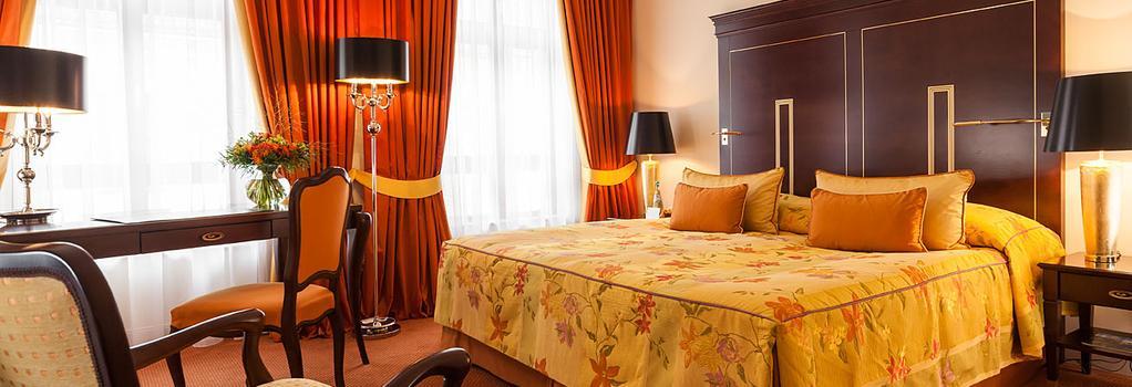 Relais & Châteaux Hotel Bülow Palais - 德累斯頓 - 臥室