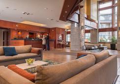 水晶套房酒店 - 惠斯勒 - 大廳