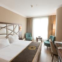 The Grand Mira Business Hotel Guestroom
