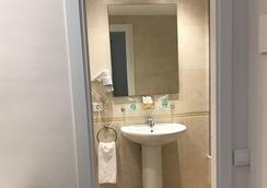 瑪爾維酒店 - 巴塞隆拿 - 浴室