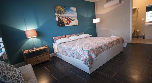 Beds n' Drinks Hostel - 邁阿密海灘 - 臥室
