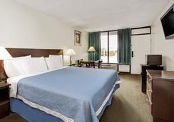 奧蘭多主題公園東戴斯酒店 - 基西米 - 臥室