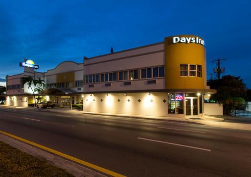 邁阿密/機場北戴斯酒店 - Miami Springs - 室外景