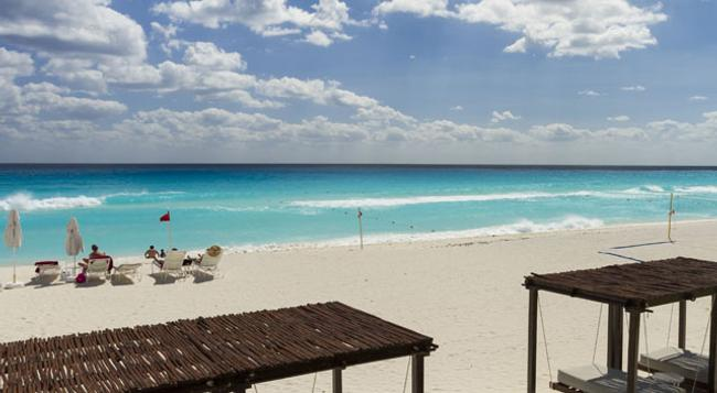 Sandos Cancun Luxury Experience Resort - 坎昆 - 海灘