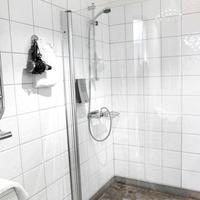 Maude's Hotel Solna Business Park Bathroom