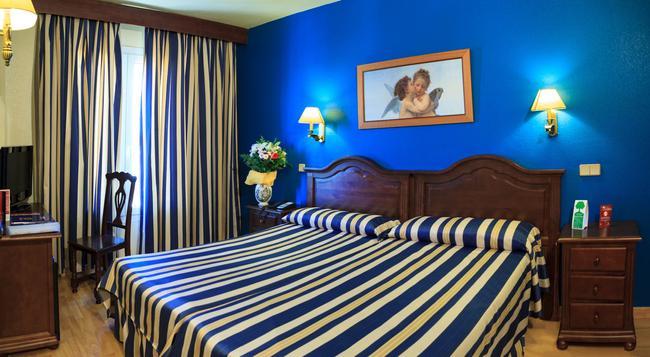 Hotel Bellavista Sevilla - 塞維利亞 - 臥室