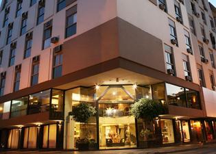 普羅維西爾假日酒店
