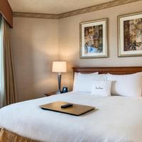 DoubleTree Suites by Hilton Hotel Phoenix Suite