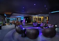 曼谷撒通維斯塔萬豪行政公寓 - 曼谷 - 酒吧