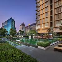 Sathorn Vista, Bangkok - Marriott Executive Apartments Outdoor Saltwater Pool