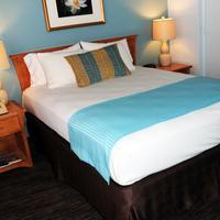 La Jolla Cove Suites Guestroom