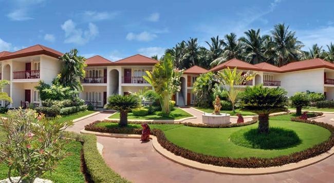 Radhika Beach Resort - 第烏 - 建築