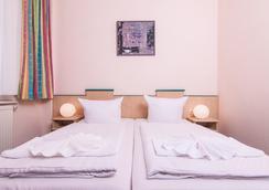 奧丁膳食公寓 - 柏林 - 臥室