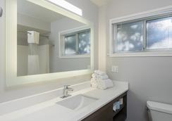 帕洛阿爾托戴斯酒店 - 帕羅奧多 - 浴室