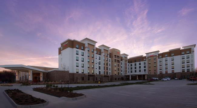 Courtyard By Marriott Dallas Dfw Airport North-grapevine - 格雷普韋恩 - 建築
