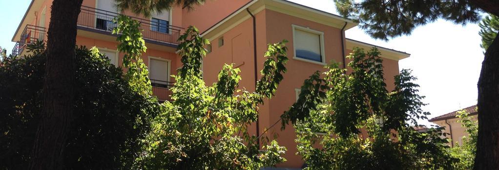 Hotel Villa Merope - 里米尼 - 室外景