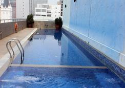 皇后酒店 - 新加坡 - 游泳池