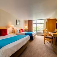 University Inn - A Staypineapple Hotel Guest room