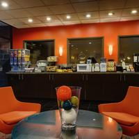University Inn - A Staypineapple Hotel Lobby