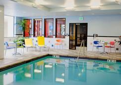 麥克斯韋菠蘿住宿酒店 - 西雅圖 - 游泳池