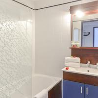 CERISE Carcassonne Nord Bathroom