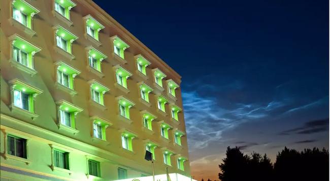 Sandhya Hotel - 海得拉巴 - 建築