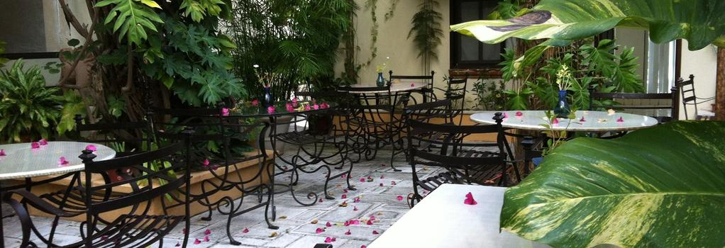 Cancun Inn - Suites El Patio - 坎昆 - 建築