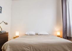 西烏塔特羅薩酒店 - 圖盧茲 - 臥室