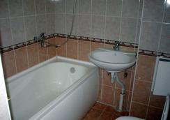 Business Hotel na Bumazhnoy - 聖彼得堡 - 浴室