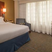 Residence Inn by Marriott Bethesda Downtown Guest room