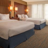 Residence Inn by Marriott Bethesda Downtown Guestroom