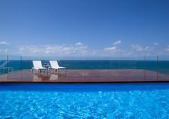 Alexander Tel-Aviv Hotel - 特拉維夫 - 游泳池