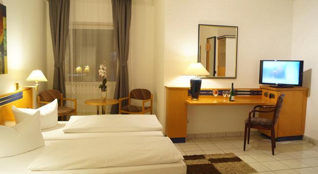 Hotel Rahlstedter Hof - 漢堡 - 臥室