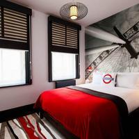 The Wellington Hotel Guestroom