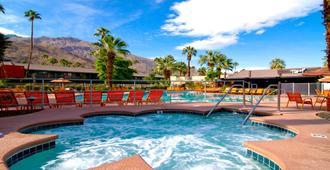 卡琳特熱帶飯店 - Palm Springs - 游泳池