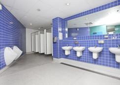 醒來!中央悉尼旅館 - 悉尼 - 浴室