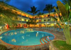阿庫埃里姆套房度假酒店 - 聖多明各 - 游泳池