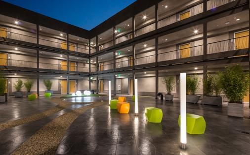 阿凡托拉酒店 - 洛杉磯 - 天井