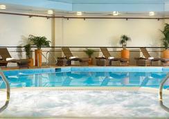 布里斯托爾萬豪市中心酒店 - 布里斯托 - 游泳池