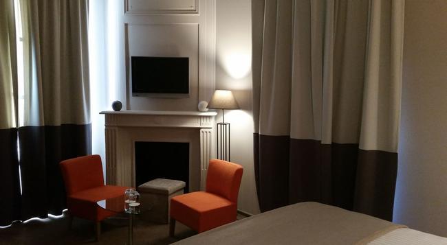 Hôtel Château Lacan - 布里夫拉蓋亞爾德 - 臥室
