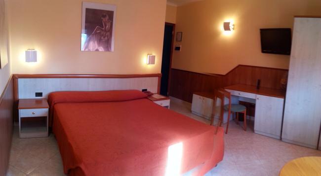 Hotel Laurence - 羅馬 - 臥室