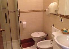卡麗歌拉度假酒店 - 羅馬 - 浴室
