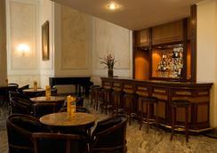 自由皇宮酒店 - 貝洛奧里藏特 - 酒吧