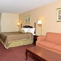 Travelers Inn & Suites - Memphis Guestroom