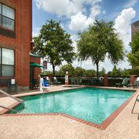 Magnuson Hotel Park Suites Outdoor Pool