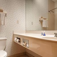 Magnuson Hotel Park Suites Guest Room Bath